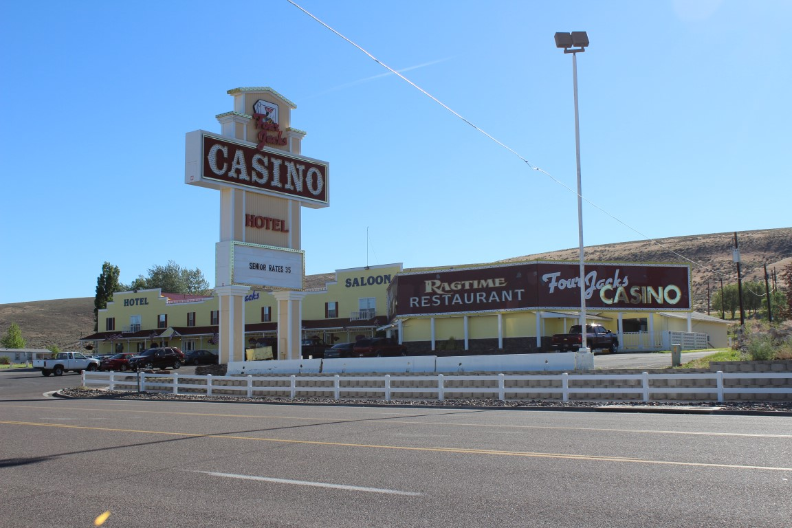 four jacks hotel and casino jackpot