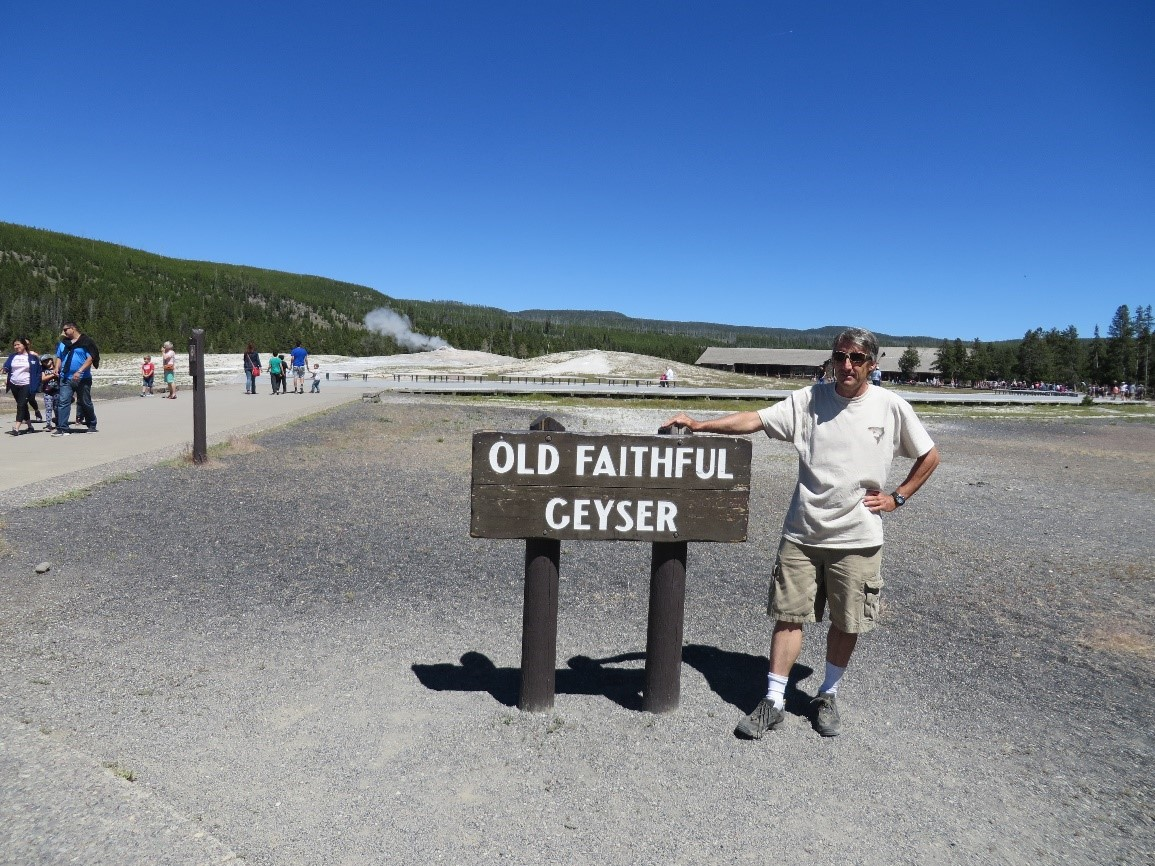 Old Faithful - Geyser